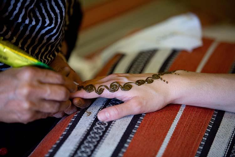 Henna painting in Dubai