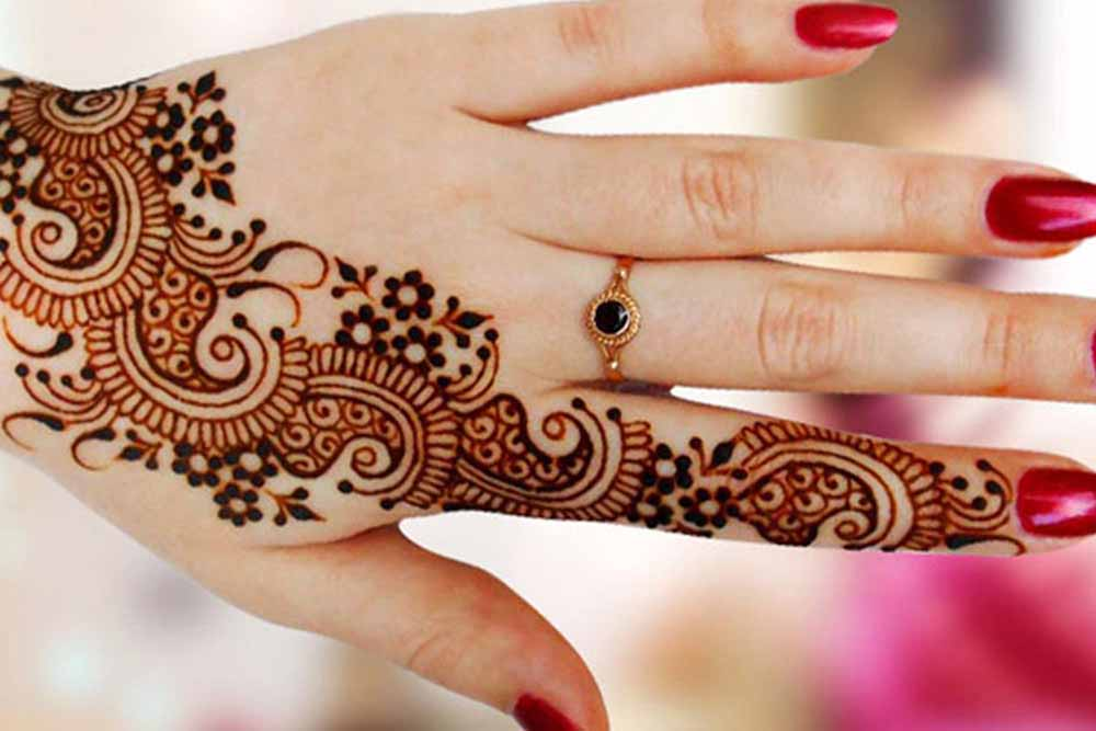 henna-painting